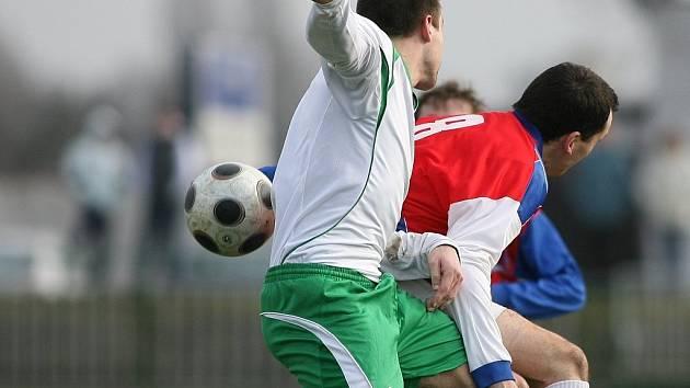 Z utkání Polaban Nymburk - Spartak Příbram.