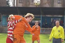 Z fotbalového derby krajské I.B třídy Lysá - Ostrá (1:2)