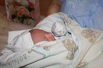 PRVNÍM MIMINKEM ROKU 2016 na Nymbursku je Matyášek Beneš. Šťastná maminka Pavlína  Chládková ho přivedla na svět 1. ledna přesně v 6 hodin ráno. Chlapeček 3 120 g a měřil 49 cm. Domů si oba odveze šťastný tatínek Pavel.