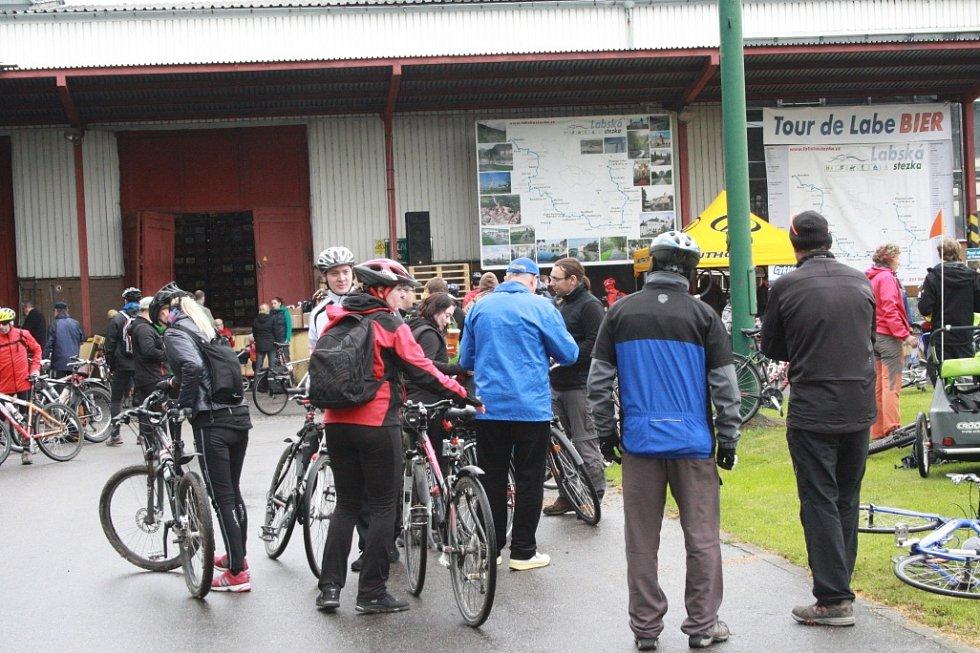 Letošní cyklootvírák: 444 lidí, 6 stupňů a 1 rodina ve stanu.
