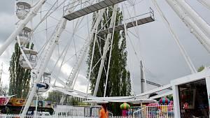 V Poděbradech je opět v provozu Lunapark s ruským kolem.