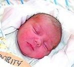 MAREK NEDOBITÝ se narodil 24. května 2017 v 1.23 hodin. Synka s mírami 3 230 g a 47 cm si odvezli radostně do Českého Brodu Lucie a Marek.