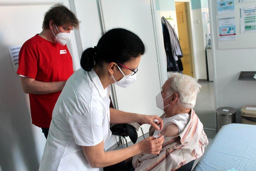 Nápad na očkovací maraton vznikl v očkovacím centru při nemocnici v Městci Králové.