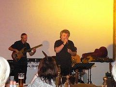 Slavná skupina Jazz Q vystoupila v sále nymburské restaurace Rustica na Cejpovně