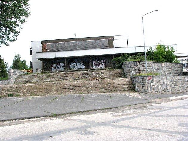 Dům důstojníků v Milovicích