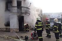 Požár domu v Loděnici.