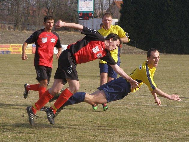 Z fotbalového utkání krajské I.A třídy Bohemia Poděbrady - Viktoria Radim (5:0)