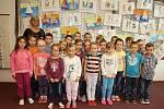 Žáci 1. C ZŠ Komenského Lysá nad Labem s třídní učitelkou Simeonou Betkovou.