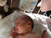 MALÁ PRINCEZNIČKA ANETKA. Aneta ŠIMŮNKOVÁ  přišla na svět 26. září 2015. Bylo zrovna 20.11 hodin. Holčička vážila 3 190 g a měřila48 cm. O tom, že se jim jako první miminko narodí dcerka, věděli maminka Anička a táta Jarda z Nymburka předem.
