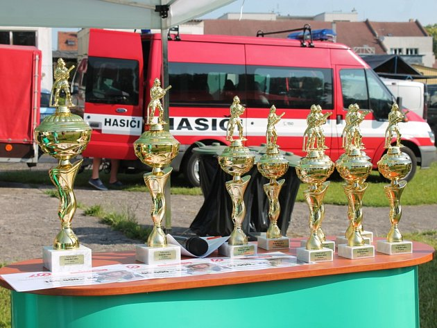 Z národního finále hasičské soutěže Dobráci roku 2016 v Nymburce.