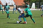 Z přípravného fotbalového utkání Vykáň - Meteor Praha (1:2)