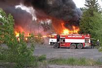 Požár budovy u Božího Daru