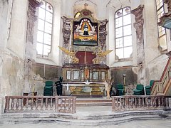 Část interiéru kaple je opravená a nyní je potřeba celý objekt odvodnit.