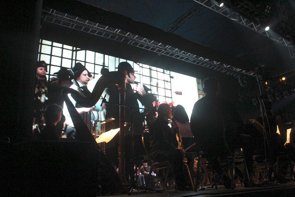 Vrcholem sobotního dne na Soundtracku bylo živé provedení hudby k filmu Amadeus.