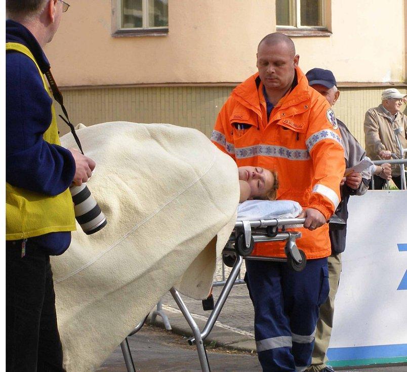 Některé závodnice se vydaly ze všech sil a jedna španělská reprezentantka potřabovala pomoc záchranné služby