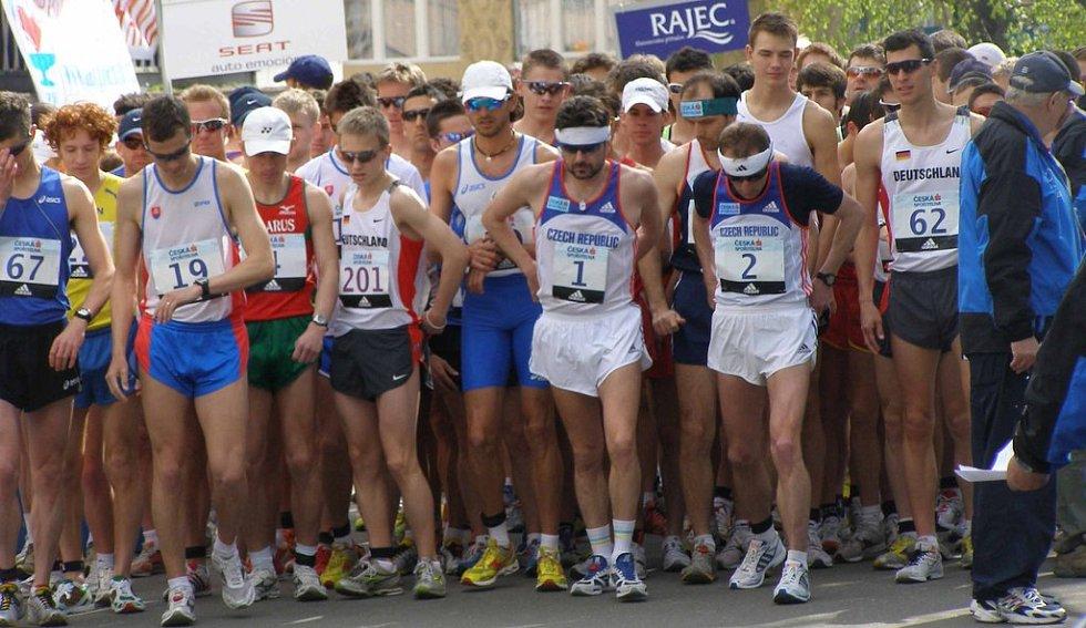 Start závodu mužů a juniorů