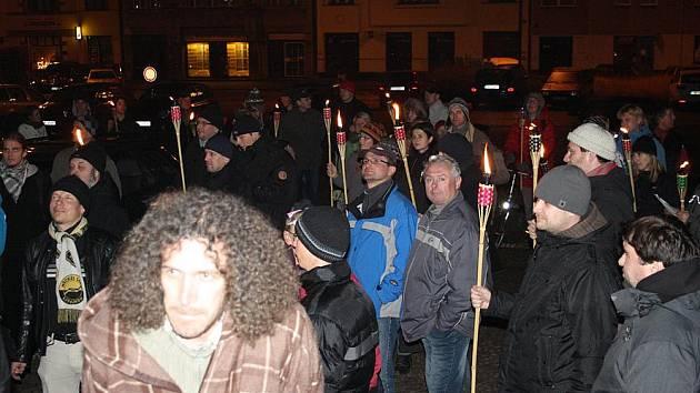 Demonstrace na lyském náměstí