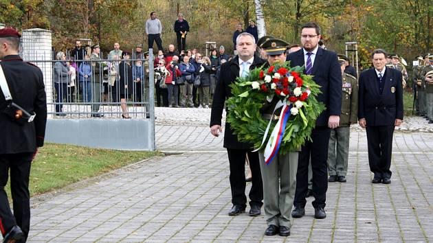 Pieta se padlé vojáky se konala v Milovicích a Lysé nad Labem.