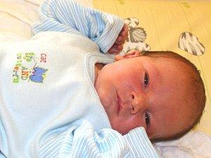JOSEF VODIČKA se narodil 4. dubna 2018 ve 13.13 hodin s délkou 50 cm a váhou 3 150 g. Z chlapečka se radují rodiče Josef a Šárka z Nymburka.