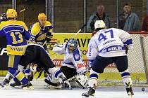 Z hokejového derby druhé ligy Nymburk - Kolín (5:7)