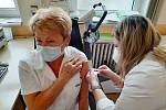 Očkovací centrum v Městci Králové funguje i díky nadšení dobrovolníků.