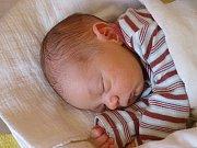 HUGO VIKTORIN ŠAFAŘÍK se narodil 19. března 2018 v 1.05 hodin s délkou 49 cm a váhou 3 480 g. Na chlapečka už se těšili doma v Poděbradech rodiče Jan a Lucie i šestiletý bráška Jonáš.