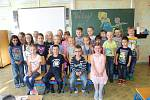 Třída 1. B ZŠ Letců R.A.F. Nymburk, třídní učitelka Zdenka Červová.