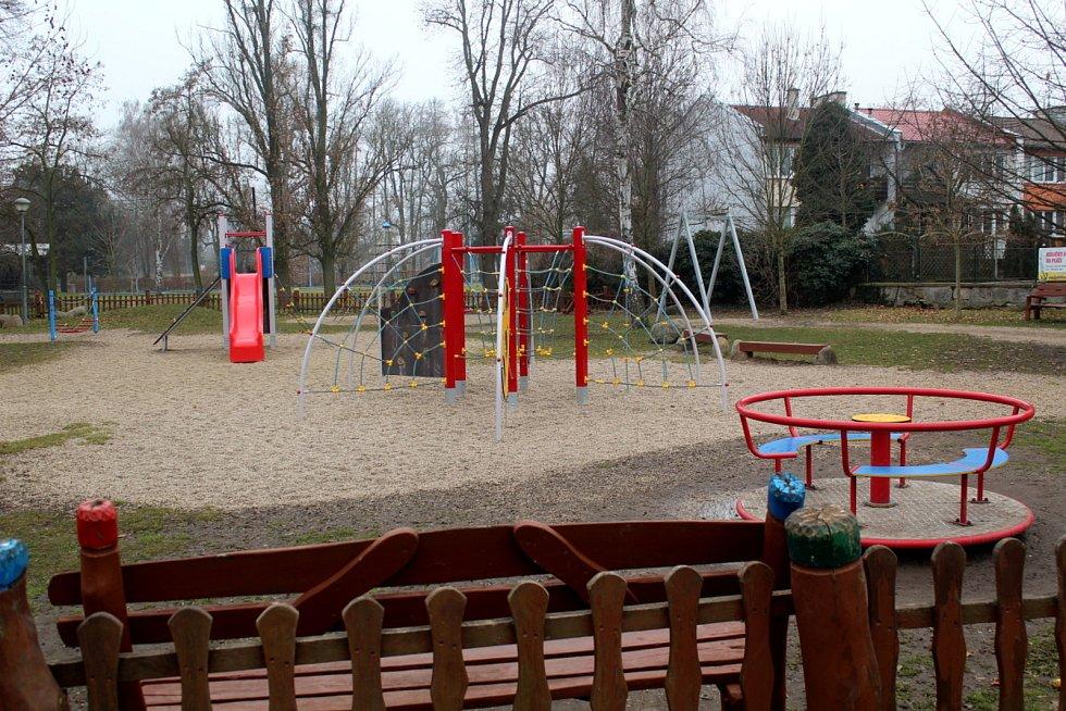 Poděbradská hřiště pro děti jsou od čtvrtka znovu otevřená.