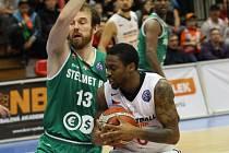 Z basketbalového utkání Ligy mistrů Nymburk - Zielona Gora (84:70)