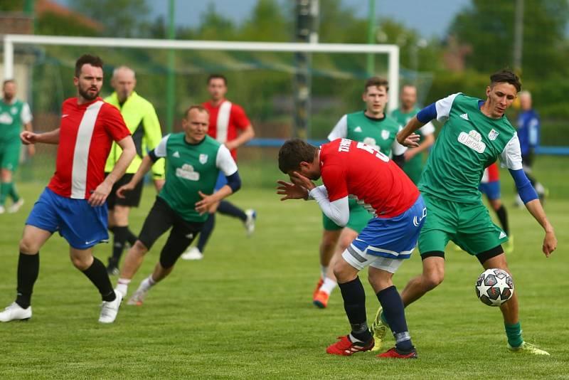 Z přípravného fotbalového utkání Sadská - Pátek