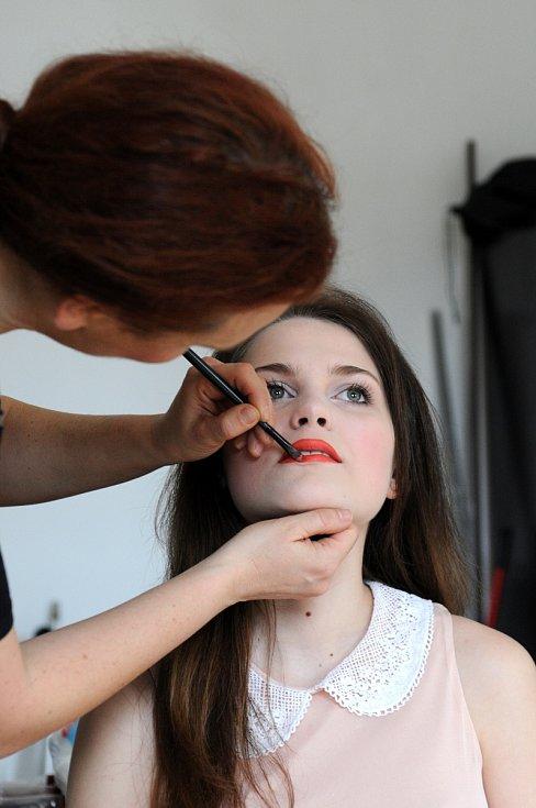 Miss Polabí 2015 Kateřina Buchalová fotila plakát