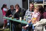 Chroustov přivítal své rodáky v hasičském areálu