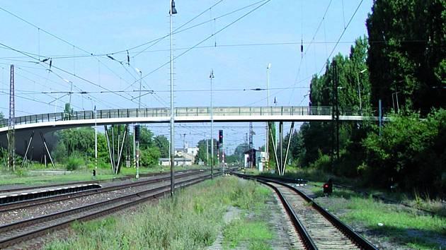 Pohled na nadjezd od vlakového nádraží.