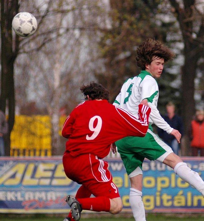 Z utkání Polaban Nymburk - Nové Strašecí (1:0).