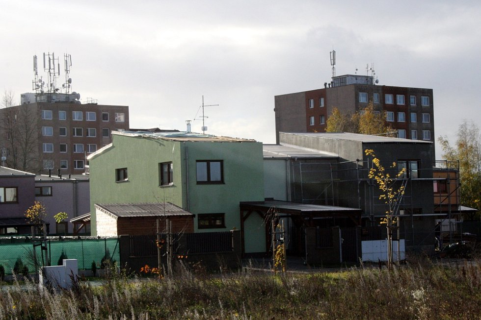 Dům v Milovicích, kterému ulétla střecha