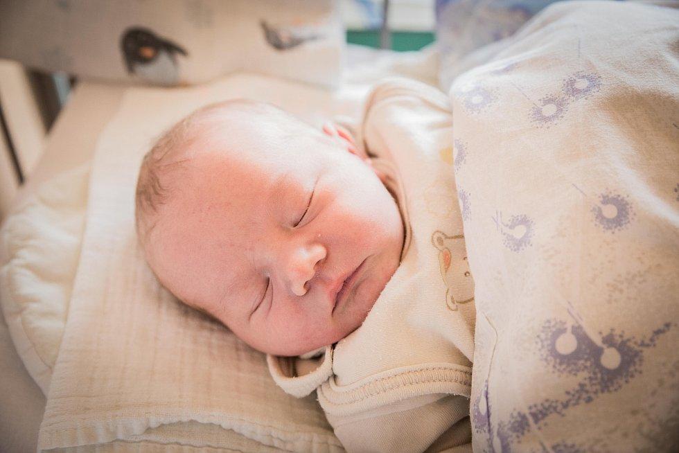 Marcel Živný, Poděbrady. Narodil se 7. května 2019 v 10.30 hodin, vážil 3 390g a měřil 50cm. Chlapeček se narodil do rodiny Kamily, Marcela a malé Gabriely (3,5 roku).