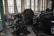 Útroby poděbradské hydroelektrárny jsou jako z vědecko - fantastického filmu.