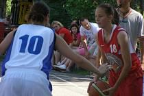 Basketbalové oslavy v Poděbradech měly hlavně sportovní charakter