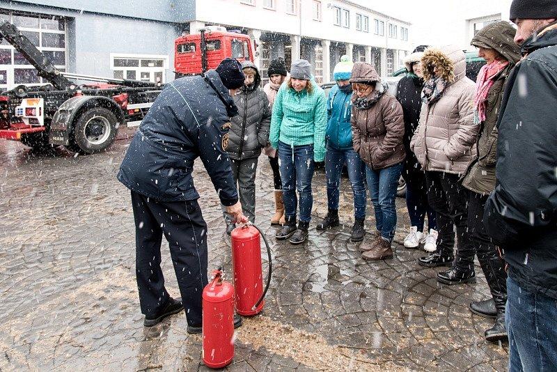 Středočeští učitelé zasedli do hasičských lavic.