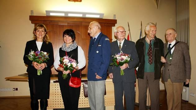 Laureáti zleva: Ivana Šmejdová, Jana Rýdlová, Otokar Randák, Emil Tuma, Miroslav Pavelec a Libor Pátý