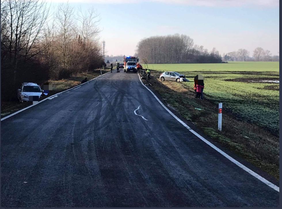 Nehoda na silnici mezi obcemi Netřebice a Číněves 31. prosince 2020.