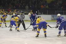 Z hokejového derby druhé ligy Nymburk - Kolín (5:2)
