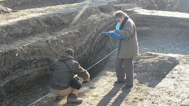 Archeologové mají další objev v Nymburce.