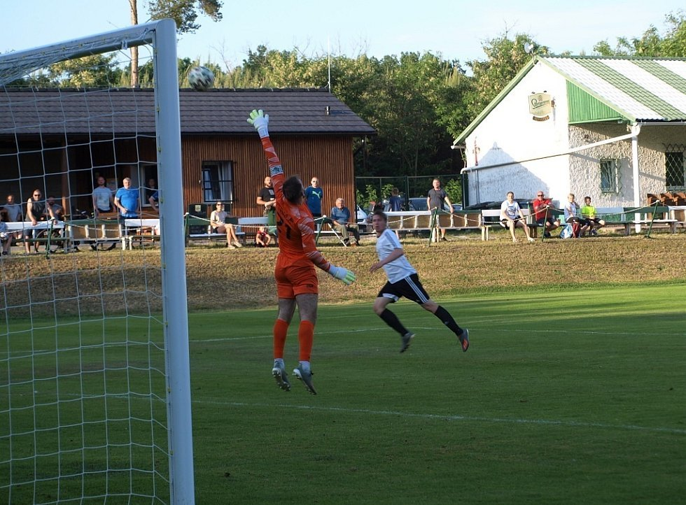 Z fotbalového utkání turnaje Šátek Labe cup Semice - Polaban Nymburk (2:0)