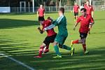 Z divizního fotbalového utkání Ostrá - Meteor Praha (3:0)