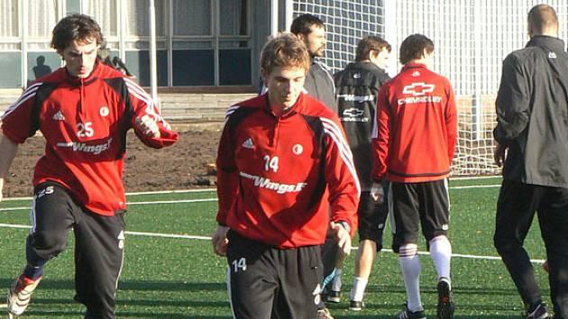 Poděbraďák Bořek Dočkal vyměnil dres. Slavia ho uvolnila na půlroční hostování do Kladna.