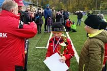 CENU ZA DRUHÉ MÍSTO na turnaji starších přípravek dostali mladí fotbalisté Bohemie Poděbrady