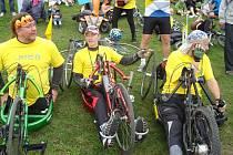 Jízd s Labskou stezkou se zúčastňují i handicapovaní.