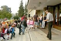 Základní škola TGM v Poděbradech přijde o desítky žáků.