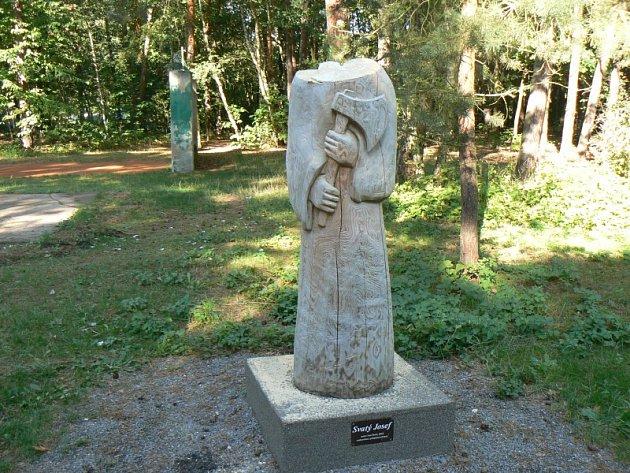Socha svatého Josefa bez hlavy